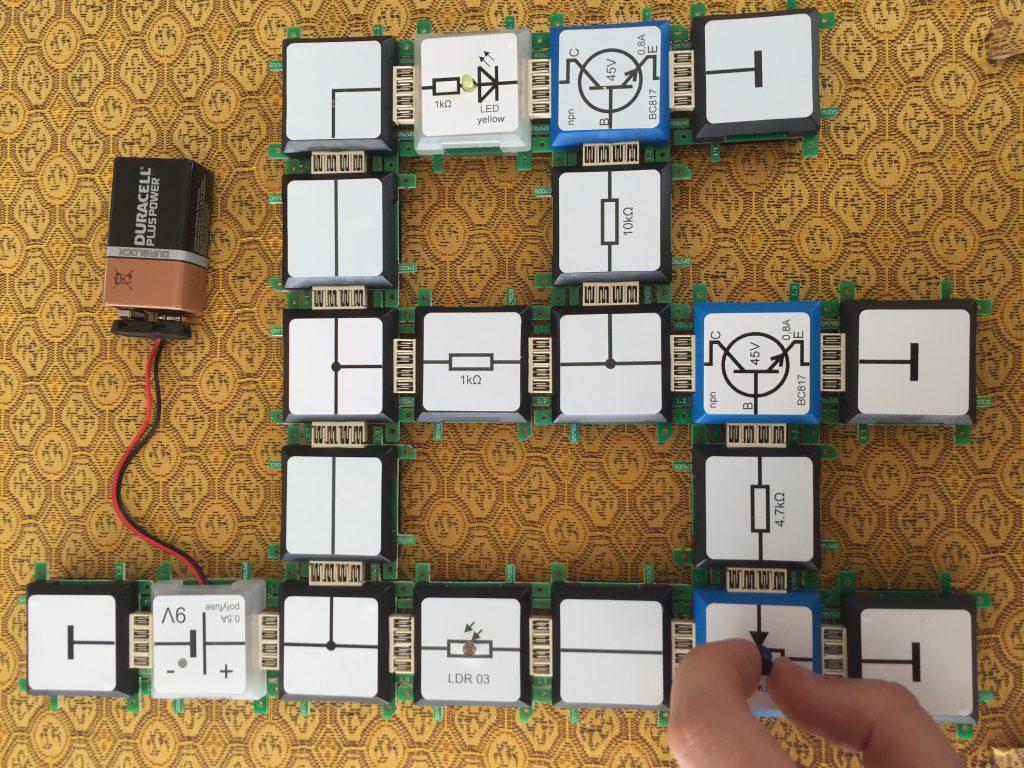 Transistor as inverter brick 39 r 39 knowledge for Transistor inverseur