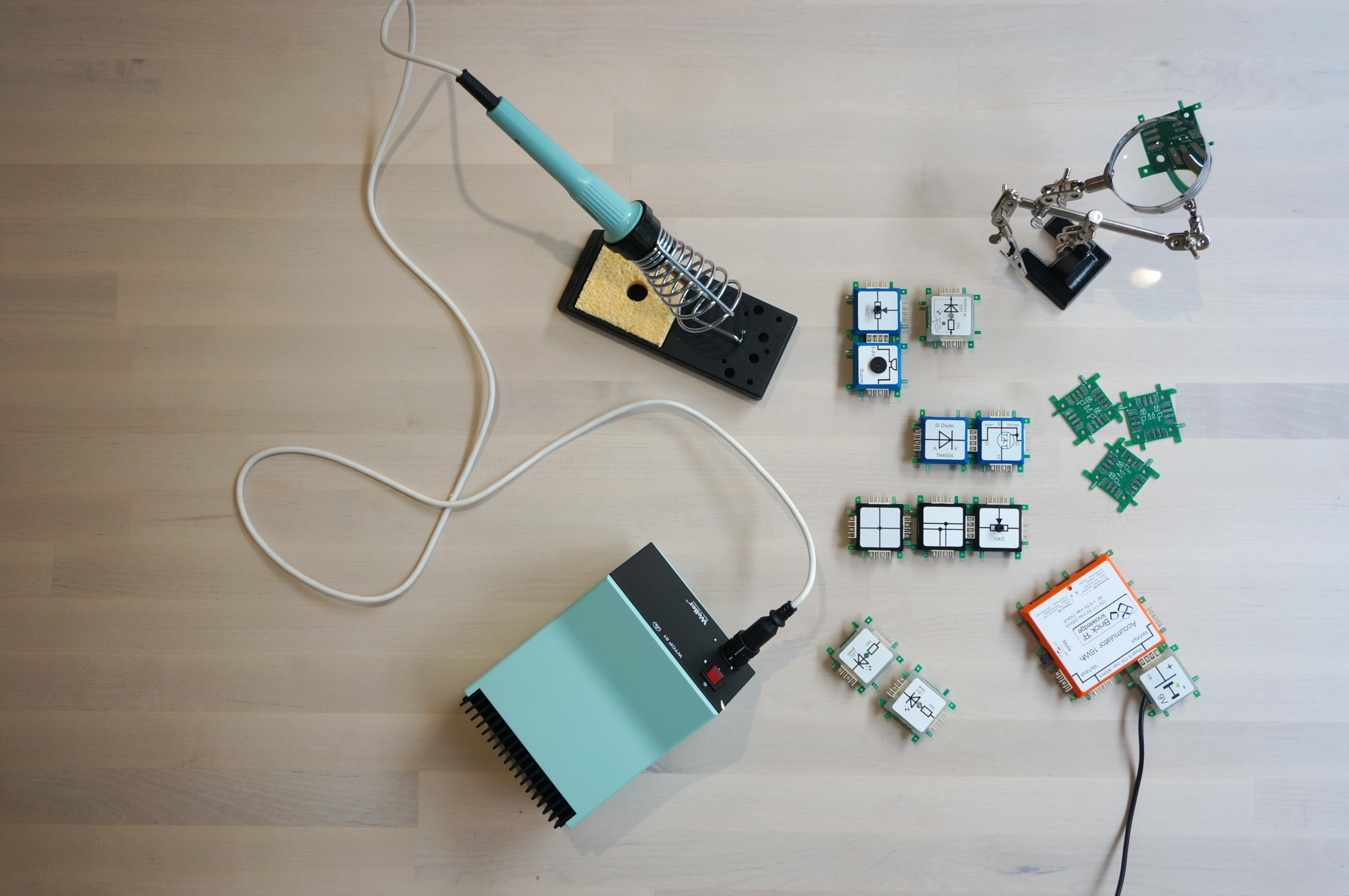 L'elettronica può essere divertente!? - Brick'R'knowledge